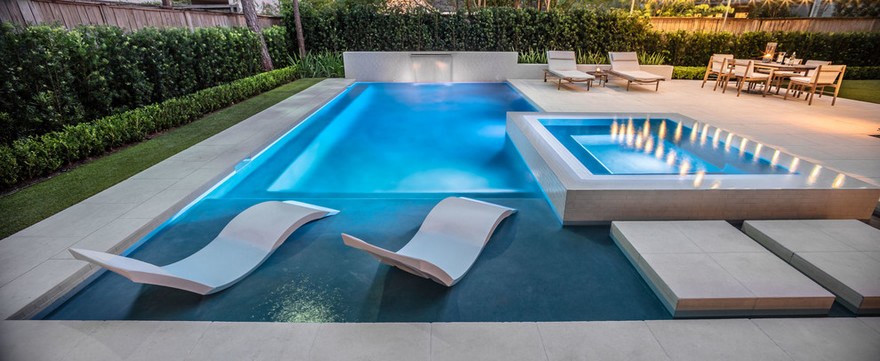 outdoor pool and hot tub spa 26