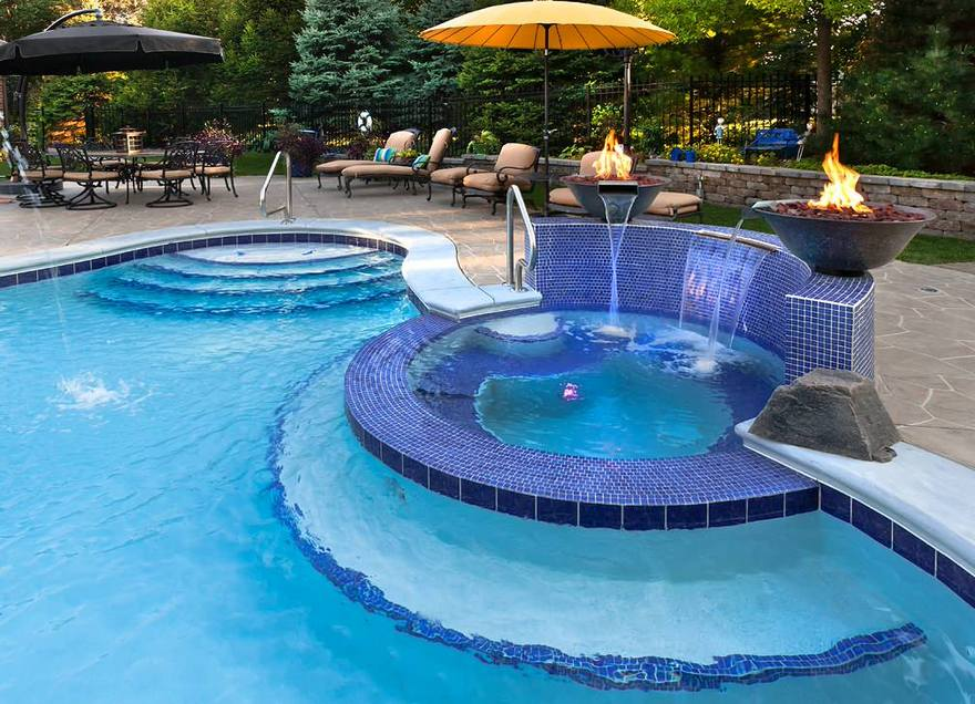 outdoor pool and hot tub spa 5