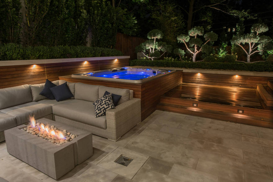 outdoor pool and hot tub spa 8