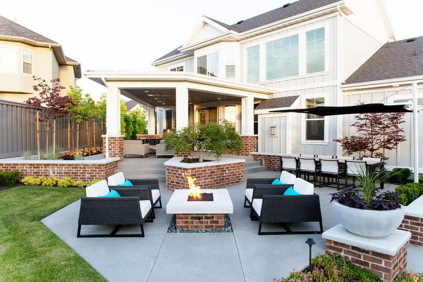 outdoor living spaces with fireplace (19)
