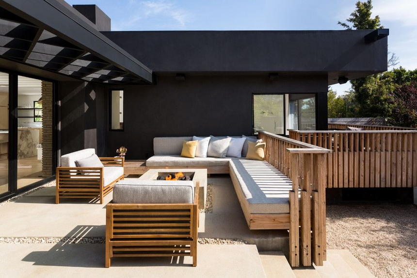 outdoor living spaces with fireplace (22)
