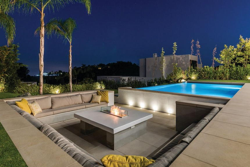 outdoor living spaces with fireplace (35)